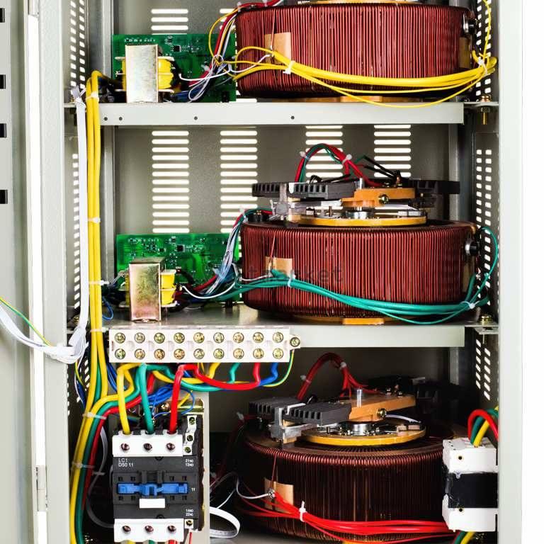 Стабилизатор напряжения Logicpower LPT-20kVa 3 PHASE