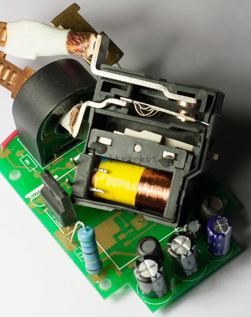 Реле напряжения с индикацией тока нагрузки DIGITOP VА-32
