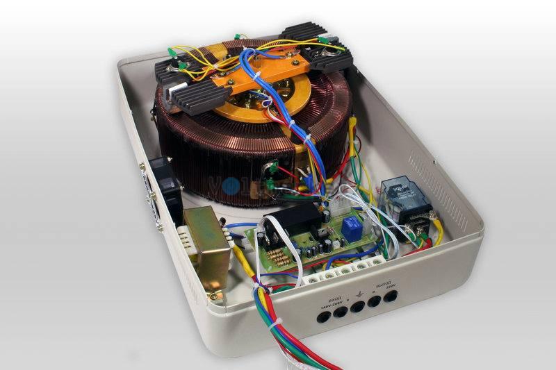 Однофазные сервоприводные стабилизаторы напряжения LOGICPOWER LPT-W-10000SD