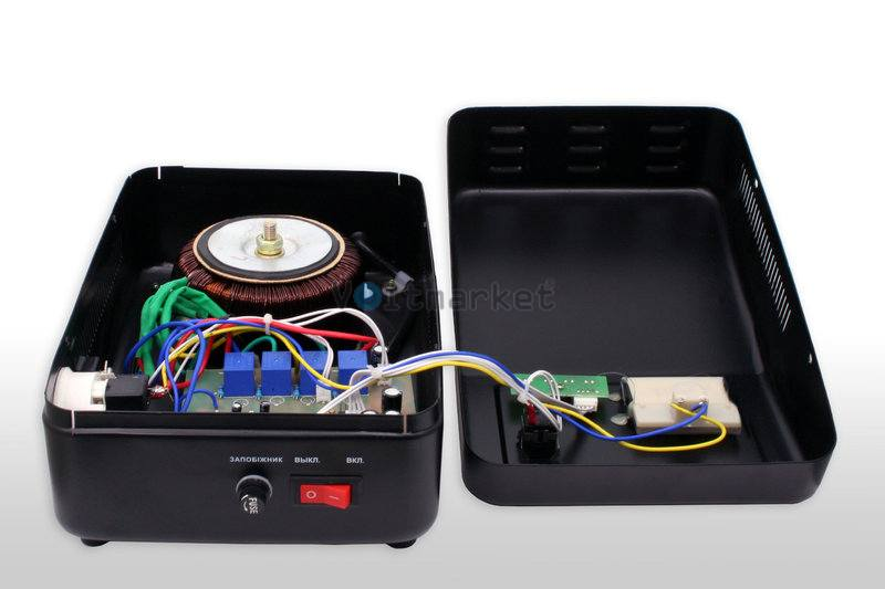 Релейные однофазные стабилизаторы напряжения LOGICPOWER LPT-W-1200RV