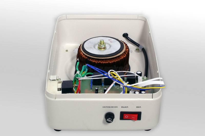 Релейные однофазные стабилизаторы напряжения LOGICPOWER LPT-W-500RV