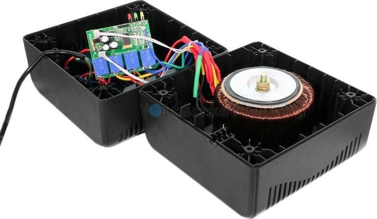 Релейный однофазный стабилизатор напряжения LogicPower LPT-1200RD