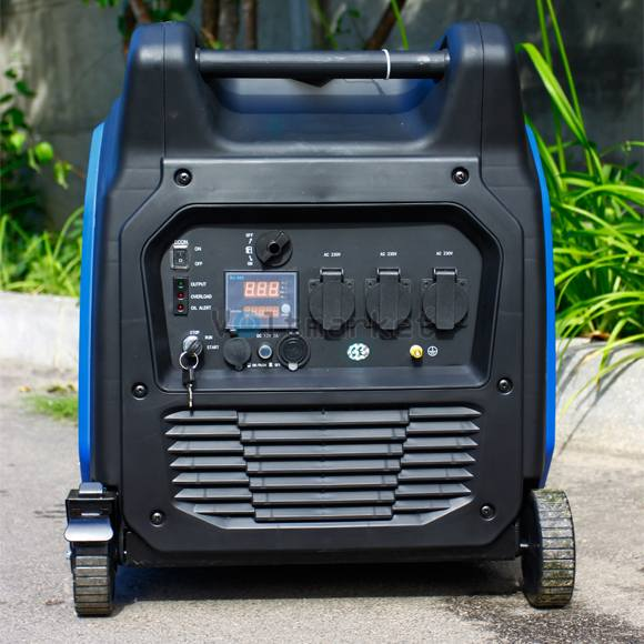 Инверторный бензогенератор Weekender X6500ie
