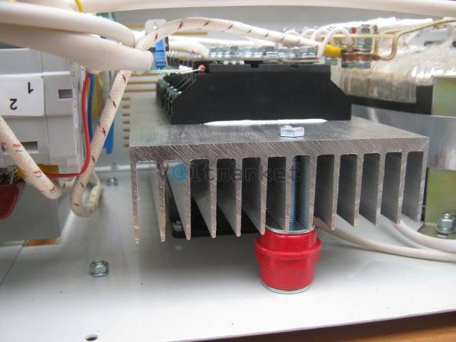 Однофазный стабилизатор напряжения BALANCE СНО-14C12