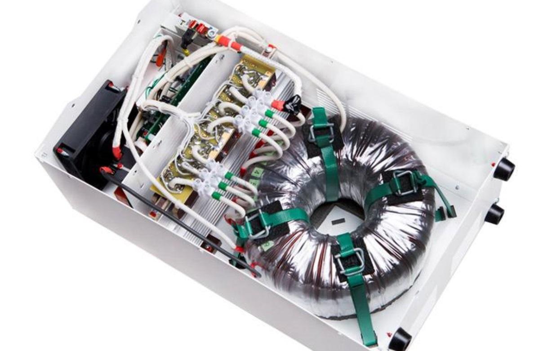 Стабилизатор напряжения Vector Energy
